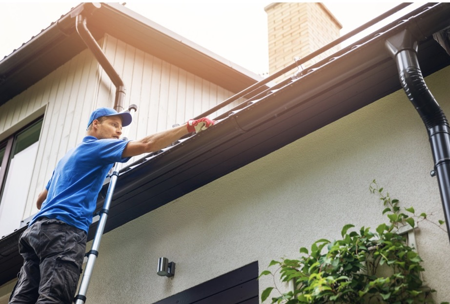 7 Home Maintenance Problems Every Homeowner Deals With